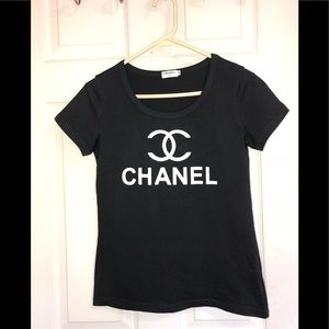 🖤 NWOT Chanel T-shirt 🖤